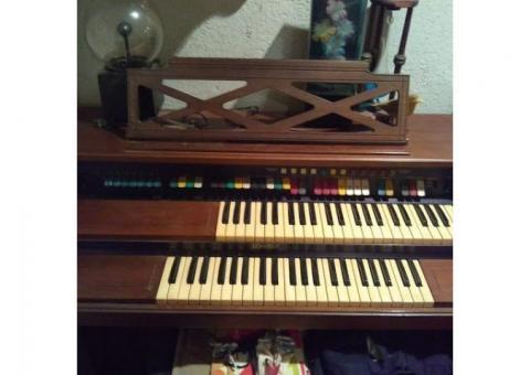 Lowrey jamboree with magic genie organ
