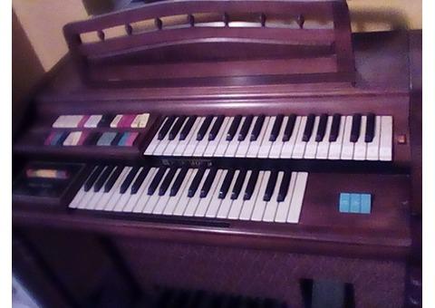 Vintage Hammond 123 XL organ