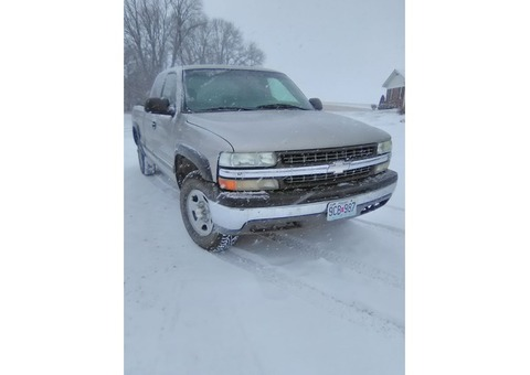 2000 Chevy 4wd pickup with VI